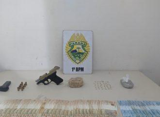 Homem é preso portando drogas e armas em via pública
