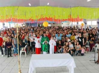 No Saron, louvor e momentos de espiritualidade fazem o Carnaval ser diferente