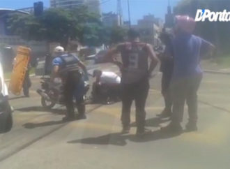 Vídeo: Colisão deixa motociclista ferido no Centro de PG