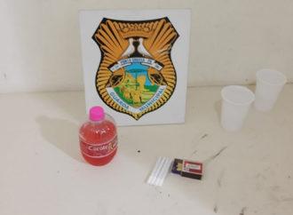 Adolescentes são abordados com bebida alcoólica e homem que realizou venda é preso pela Guarda Municipal de PG