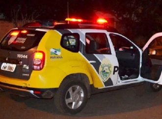 Bandido trapalhão: Homem bate o carro e não consegue roubar veículo em PG