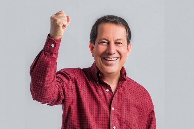 Pastor R.R. Soares diz que cura para o coronavírus é oração e água consagrada por ele