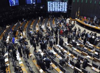PEC que adia eleições para novembro deve ser votada nesta tarde (01)