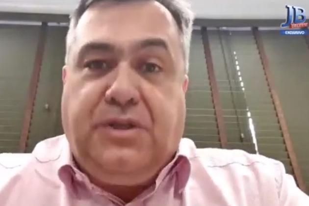 """""""Poderíamos já estar descendo essa curva, mas não é o caso, com atividades econômicas sendo retomadas aqui e ali, o vírus subiu"""", diz secretário de Saúde do Paraná"""