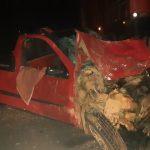 Motorista bate de frente com caminhão e morre em Tibagi