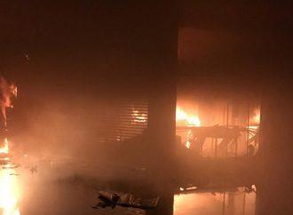 Vídeo: Incêndio em shopping de Maringá destrói metade do prédio; causa ainda é desconhecida