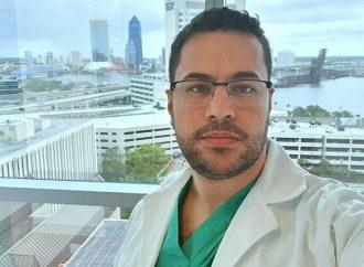 """""""Peguei essa doença fazendo o que amo"""", escreveu médico de 32 anos que morreu de COVID-19 pouco antes de ir para UTI"""