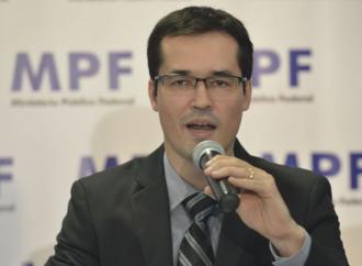 Ex-coordenador da Lava Jato, Dallagnol é punido pelo Conselho do MP por posts contra Renan Calheiros