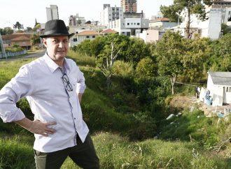 """Eleições 2020: """"Direito à água e ao saneamento básico devem orientar ação do prefeito"""", afirma professor Gadini"""