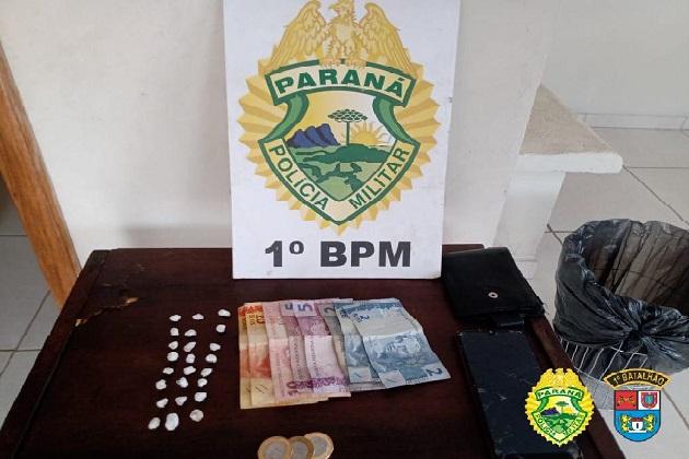 Polícia Militar interrompe venda de drogas no centro de PG