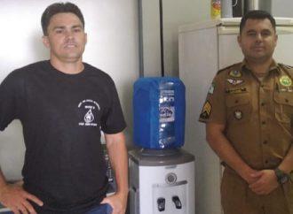 Empresário doa bebedouro e garante água para a Central de Operações da Polícia Militar em PG