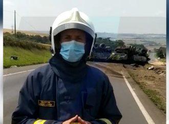 Vídeo: Congestionamento na PR-151 deve durar mais quatro horas, informa o Corpo de Bombeiros