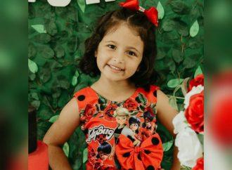 Família pede ajuda para realizar tratamento de criança de seis anos