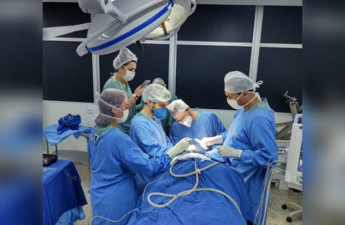 Exclusivo: Equipe do Hospital Universitário realiza cirurgia inédita no SUS de PG