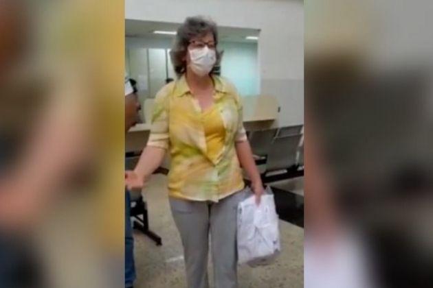 Vídeo: Depois de vencer a COVID-19, Enfermeira Terezinha retorna ao trabalho no HU